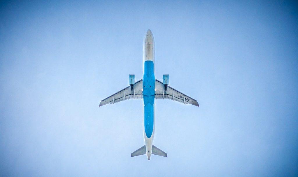 loty samolotem